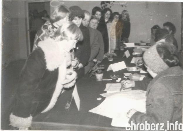 5 luty 1978 r. Pełnoletnie osoby ztechnikum brały udział wwyborach. Obwodowa Komisja Wyborcza znajdowała się wSzkole Podstawowej , źródło - Kronika 1977-1982, ZSR wChrobrzu.jpg